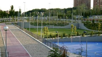 Polideportivo Torrespaña: practicar deporte en un centro moderno y bien comunicado