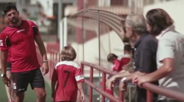 """""""Por pelotas"""": la realidad del fútbol base en un cortometraje"""