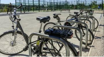 Montar en bicicleta, una moda muy saludable